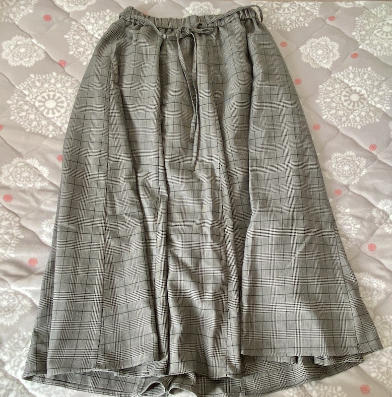 コムサイズムのスカート